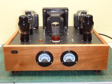 Amplificador de válvulas con paso final de 2A3 de alta fidelidad y muy buena calidad de sonido.